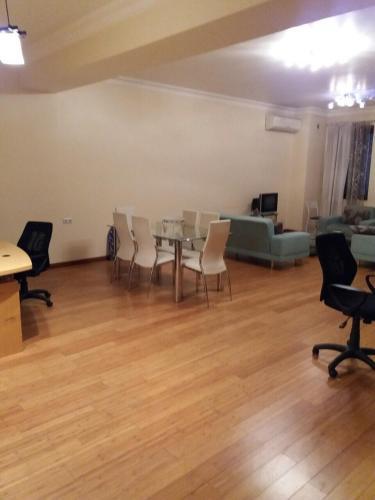 Buzand Apartment 1