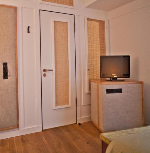 Louis Hotel photo 17