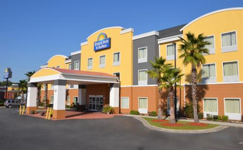 Days Inn And Suites Port Wentworth-north Savannah
