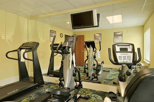 Best On Days Inn And Suites Port Wentworth North Savannah In