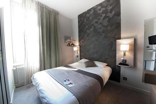 r server un hotel pas cher clermont ferrand 63000 63100. Black Bedroom Furniture Sets. Home Design Ideas