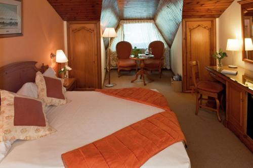 Habitación Doble Ático con entrada al spa El Castell De Ciutat - Relais & Chateaux 1