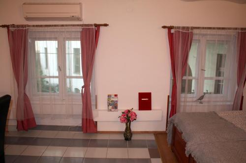 Отель Belváros Anna-kuti Apartman 0 звёзд Венгрия