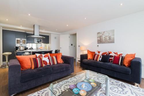 Austin David Apartments - Trendy Apartment next to ExCeL
