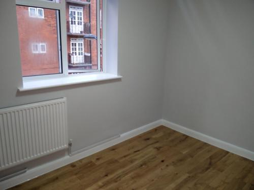 Rs20 Large Flat near Kings X