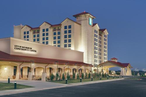 Luxury Hotel Deals Near Whitewater Amphitheater New Braunfels Emby Suites San Marcos Spa Conference Center