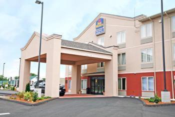 Photo of Best Western Providence/Seekonk Hotel Bed and Breakfast Accommodation in Seekonk Massachusetts