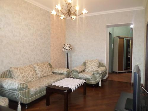 Kaskad One-Bedroom Apartments near Opera