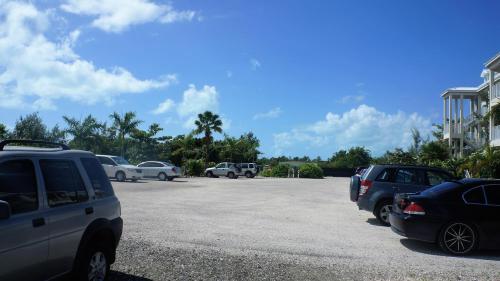 Carib Club, Grace Bay