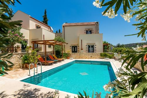 Helianthos Traditional Villas