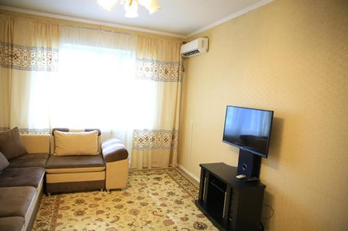 Apartment at Suyumbaev Street, 比什凯克