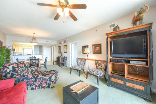 2 Beds/2 Baths Deluxe Partial View