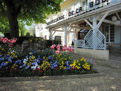 Отель Hostellerie de la Bouriane 3 звезды Франция