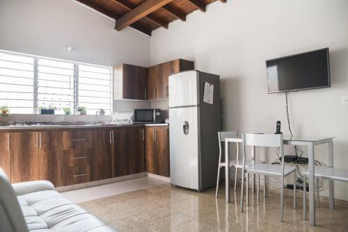 Boasting accommodation with a patio  Apartment Medellin is an apartment  located in Medell n  The property is 1 2 km from 70 Avenue and 3 3 km from  Pueblito. Wander   Apartment Medellin  Medellin