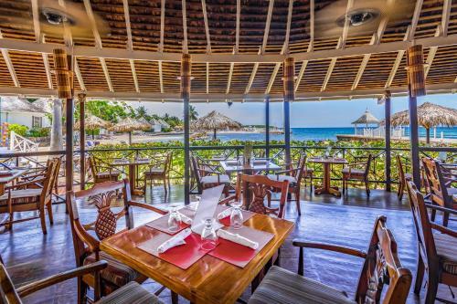 Royal Decameron Club Caribbean Resort - ALL INCLUSIVE