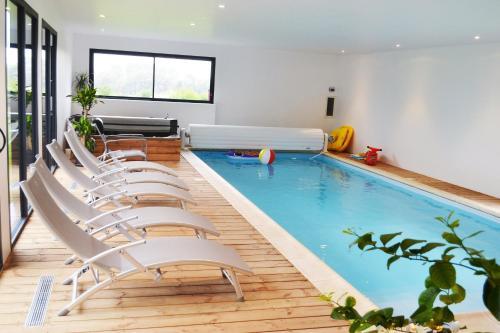 Chambre avec piscine privée et Spa