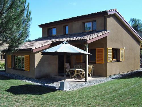 Holiday home Maison Fleurie