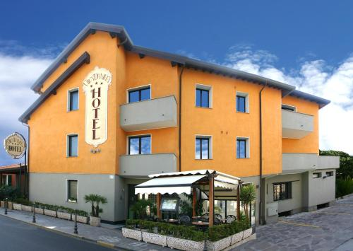 Hotel Villa Daniela front view