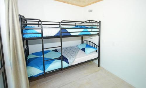 Bed in 4-Bed Female Dormitory Room - Guestroom Matamata Backpackers