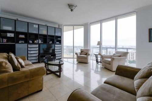 Four-Bedroom Apartment - Pearl Beach