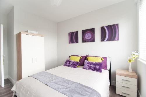 Elegant Barnet Suites