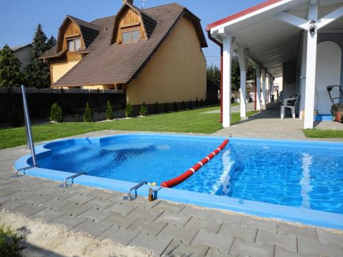 Family house with swimmingpool