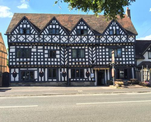 The Tudor House Hotel (B&B)
