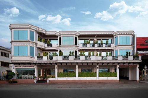 Отель Excellency Apartment 0 звёзд Лаос