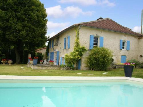 Maison De Vacances - Lusignac