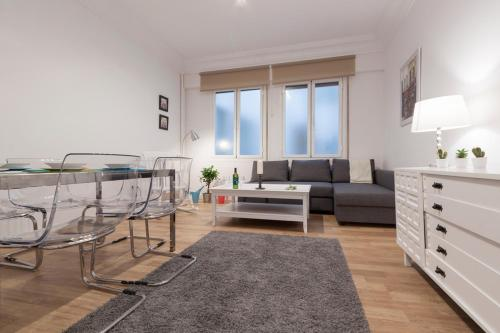 White Sol Apartment