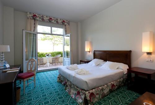 Superior Double Room with Terrace Palacio Urgoiti 2