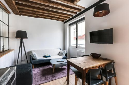 Central & Typical Flat Montorgueil