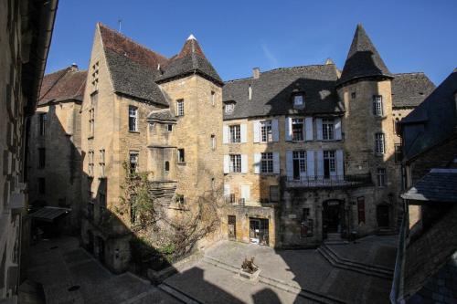 In Sarlat Luxury Rentals, Medieval Center