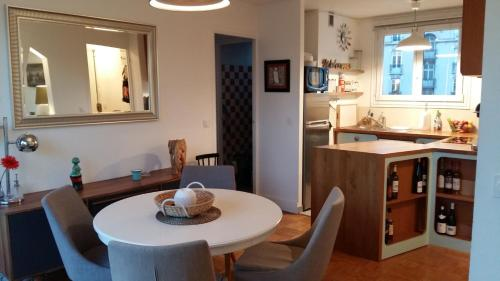 Charming Flat in the Heart of the Lilas