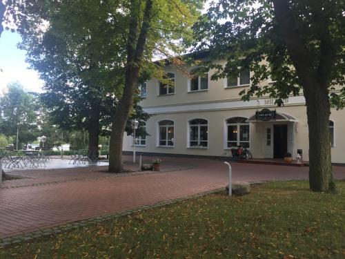 Unterk 252 Nfte In L 246 Cknitz Hotel Amp Restaurant Haus Am See