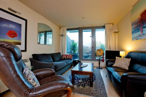 Luxury 1 Bedroom Apartment with Terrace in Wandsworth