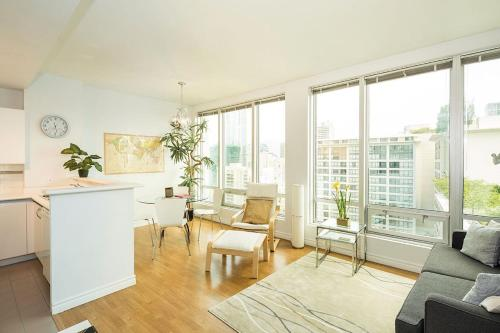 One-Bedroom on Nelson Street Apt 1512