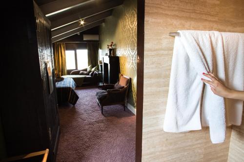 Suite Hotel Cardamomo Siguenza 10