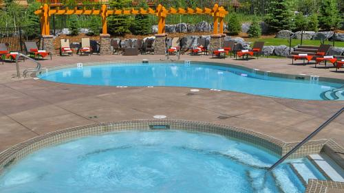 Stoneridge Mountain Resort by CLIQUE