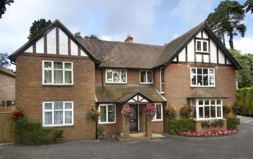 The Pilgrim's Guest House hotel in Newbury
