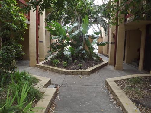 Glenelg Budget Apartments