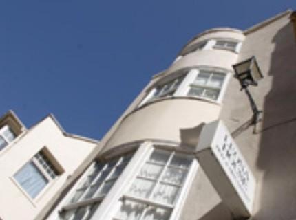 Leona House - B&B,Brighton