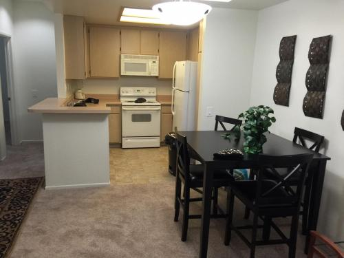 Mission Valley Apartment C5
