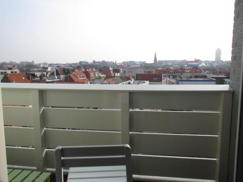 Apartament cu 2 dormitoare şi balcon (Two-Bedroom Apartment with Balcony)