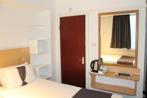 Euro Lodge Clapham - image 20