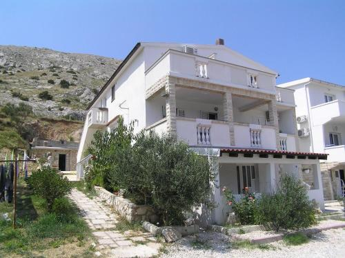 Apartment in Pag with One-Bedroom 27