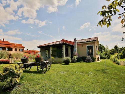 Holiday Home in Svetvincenat with Two-Bedrooms 1