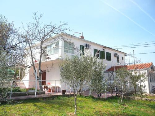 Two-Bedroom Apartment in Slatine I