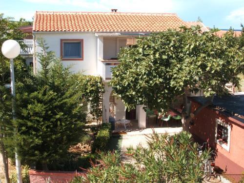 Two-Bedroom Apartment in Vir/Insel Vir 7482