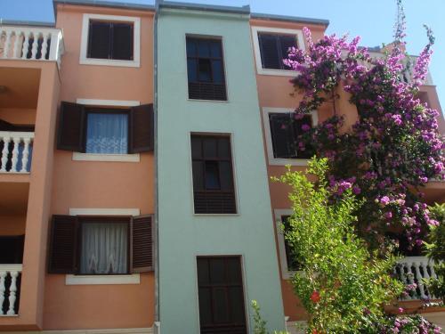 One-Bedroom Apartment in Podstrana I